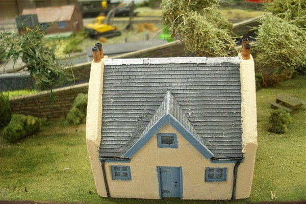 1:76  VICTORIAN HIGHLAND HOUSE