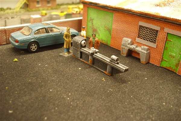 1:76 scale.   The back street machine shop is selling off 2 second hand lathe's