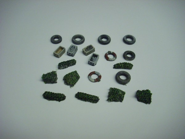 1:76  FISHING BOAT ACCESSORIES 20 piece set