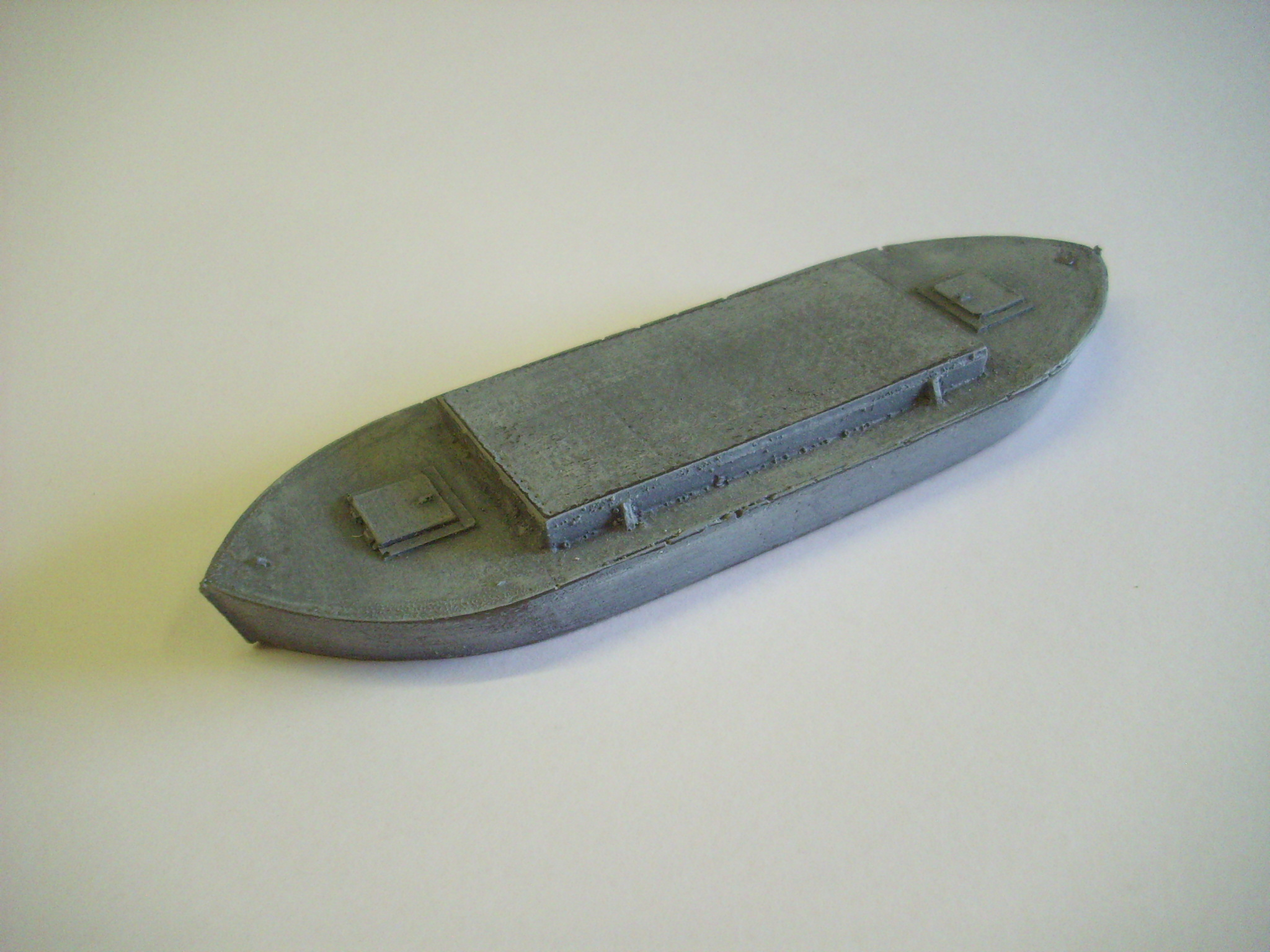 1:76  DUMB BARGE WITH COVERED HOLD