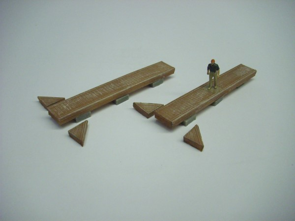 1:76  YACHT MARINA PONTOON BERTH x 2