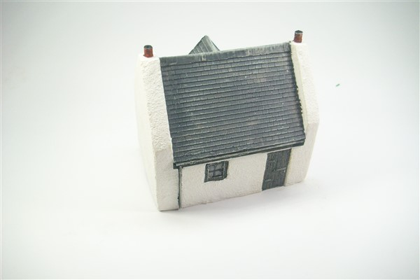 1:76  VICTORIAN HIGHLAND COTTAGE