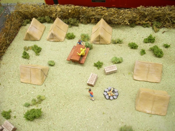 1:76 SMALL CANVAS TENTS x 6