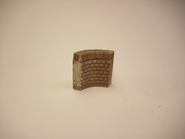 1:76  CURVED QUAY SIDE WALL