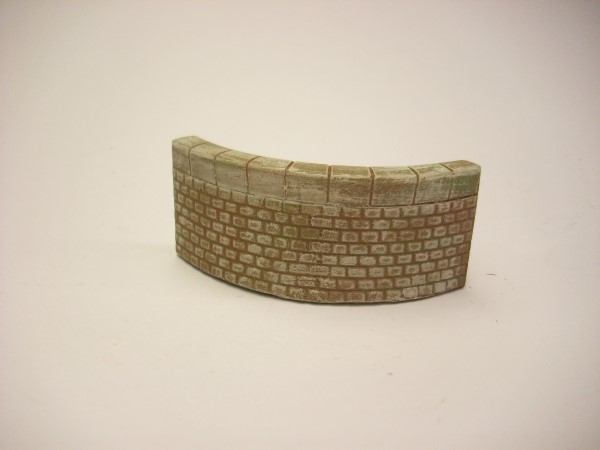 1:76  QUAY SIDE WALL OUTER CURVE
