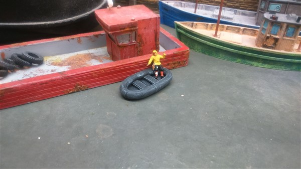 SMALL RUBBER DINGHY