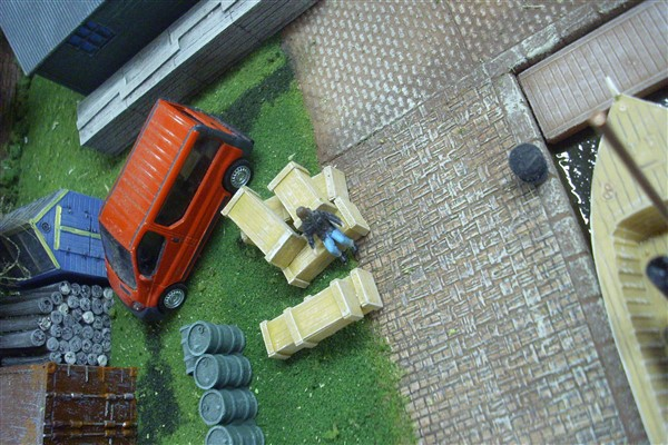 1:72 AMMO/ WEAPON BOXES x 6