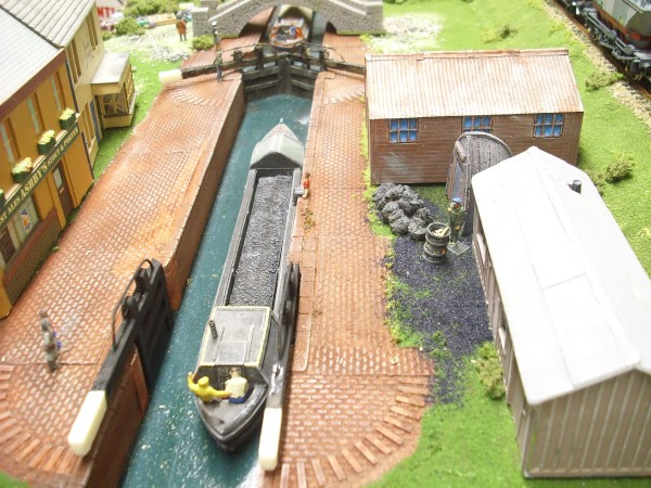 1:76  CANAL BANK LOCK GATE RECESS