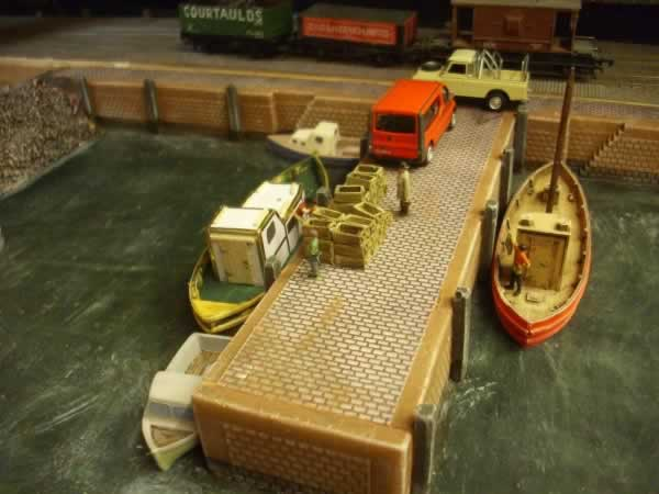 1:76 QUAY SIDE  WALL PIER END
