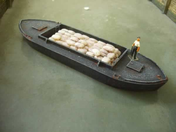 1:76 DUMB BARGE 44ft