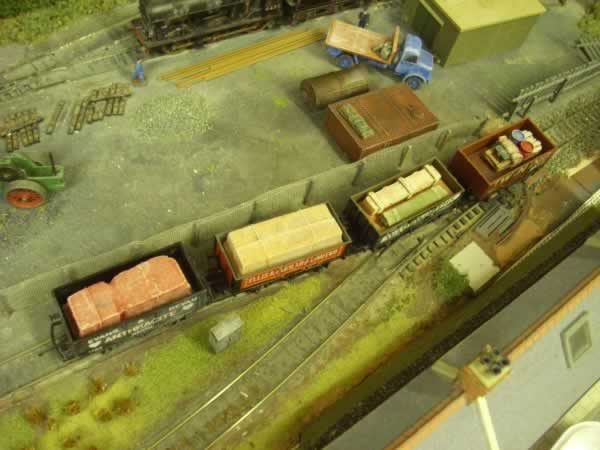 1:76 RAILWAY WAGON LOAD 'c' x 4