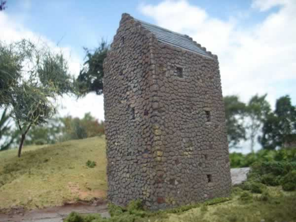 1:76 SCOTTISH TOWER HOUSE