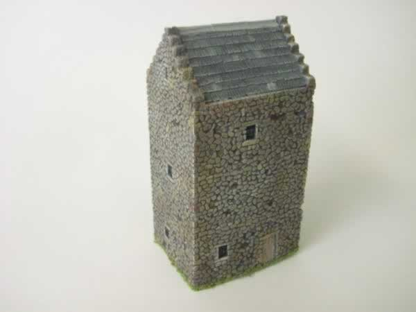 1:76 SCOTTISH TOWER HOUSE
